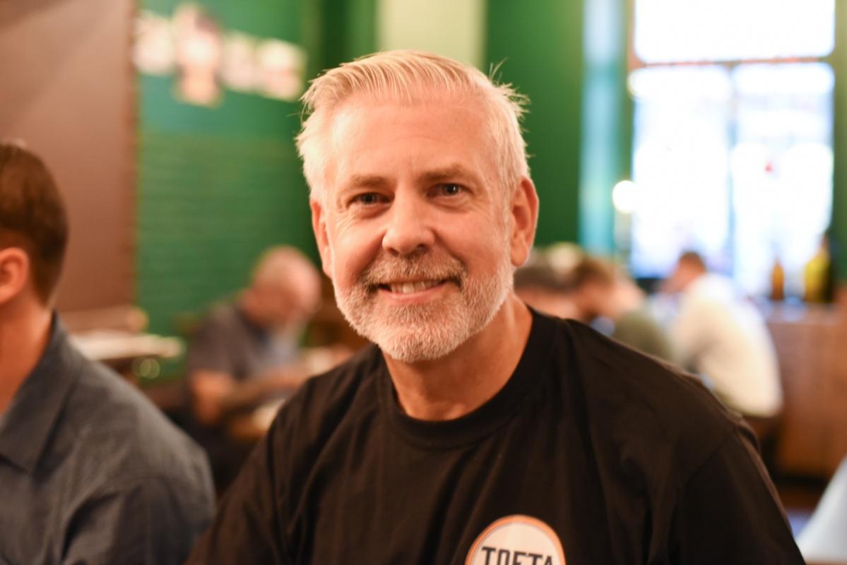 Marcus Oliverira från Tofta Brewing Company hade kommit till Brisket and friends.